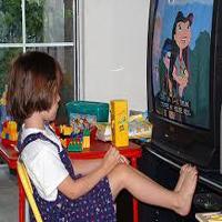 कार्टून की दुनिया में जीते बच्चे