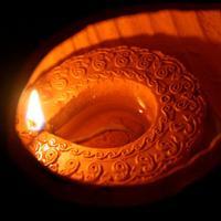 एक आशा का कहीं दीपक जला दो
